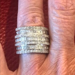 Jewelry - Fabulous multi row round & Baguette diamond ring